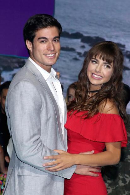 """Michelle Renaud y Danilo Carrera trabajaron <b><a href=""""https://www.univision.com/programas/novelas/danilo-carrera-es-el-protagonista-de-la-telenovela-hijas-de-la-luna"""">juntos en la telenovela 'Hijas de la luna'</a></b> a inicios de 2018, donde surgió el rumor de un romance entre los protagonistas. En mayo de 2018, cuando ella anunció que se separaba de su esposo Josué Alvarado, padre de su único hijo, Marcelo, los rumores se avivaron."""