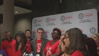 """""""La oferta es un fracaso"""": aún no hay acuerdo entre sindicato de maestros y Escuelas Públicas de Chicago"""