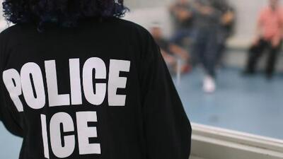Desalentar la inmigración de familias indocumentadas, la prioridad de ICE en plan de acción presentado a la Casa Blanca