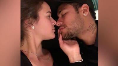Neymar y Bruna Marquezine sellaron su amor en Instagram con este apasionado beso