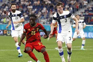 Belgica derrota 2-0 a la selección de Finlandia y califica como primer lugar del Grupo B a Octavos de Final. Los finlandeses guardan la esperanza de pasar como mejor tercero. Los goles fueron por parte de Romelu Lukaku y Lukas Hradecky.