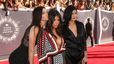 Kendall Jenner confiesa a Kim Kardashian que está embarazada