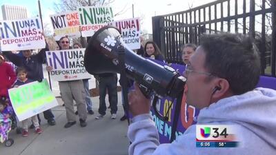Inmigrantes protestan contra redadas en Atlanta