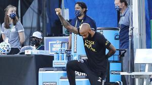 Thierry Henry cierra sus redes sociales por aumento de racismo