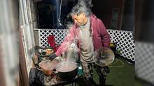 Así es como varias familias hispanas de Houston vivieron la falta de luz por la tormenta invernal