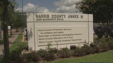 El condado de Harris inaugura un programa que busca ayudar a las personas mayores que son víctimas de maltrato