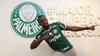 ¡No se rinde con el fútbol! Usain Bolt ahora 'se prueba' con el Palmeiras