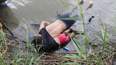 Haunting photograph highlighting dangers faced by migrants crossing the border
