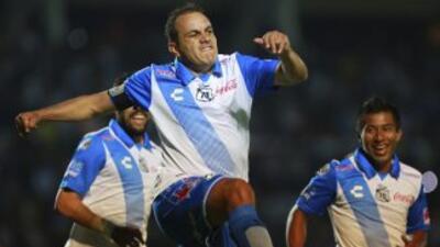 ¿Podrá el astro mexicano Cuauhtémoc Blanco anotarse un gol en su nueva carrera política?