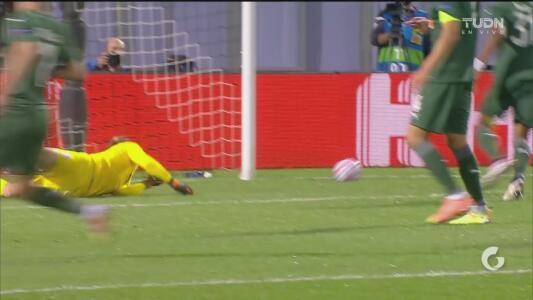 ¡Se viste de héroe! Safonov evita el primero del PAOK con buenos reflejos