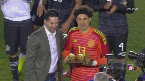 Homenaje a 'Memo' Ochoa por sus 100 partidos en el Tri