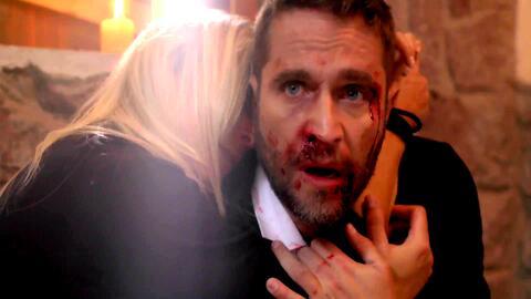 'Amar a muerte' - Lucía reconfortó a Jacobo entre sus brazos al verlo muy cerca de morir - Escena del día