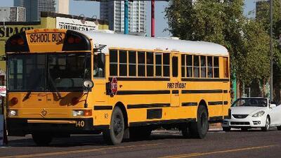 Arrestan a 10 padres de familia de Merced por no enviar a sus hijos a clase