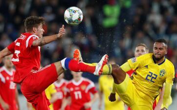 En fotos: más pasión y menos talento en el empate de Rusia y Suecia en UEFA Nations League