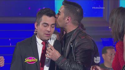 Por fin Omar Chaparro se dejó besar por Emir Pabón