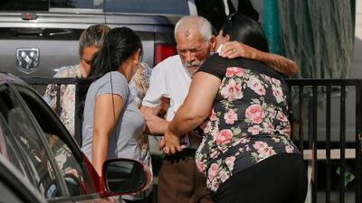 Acusan de intento de asesinato a la mujer que atacó con un ladrillo al mexicano de 92 años