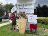 Protesta en Miami solicita al gobernador extender la moratoria por desalojos: el plazo vence este martes