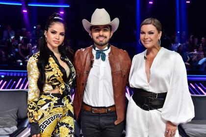 Natti Natasha, Joss Favela y Olga Tañón, son las tres figuras que suman su talento en este reality show que tiene a Daddy Yankee como productor ejecutivo y así apareció cada uno en el escenario la noche del estreno.