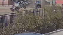 Policía atendió un mortal accidente: horas más tardes fue embestido por una camioneta