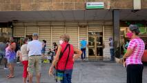 Cuba suspende los depósitos de dólares en efectivo en la isla, ¿qué representa esto para el cubano de a pie?