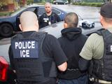 Demandan a ICE en California por supuestamente contratar a empresas privadas para hacer detenciones de inmigrantes