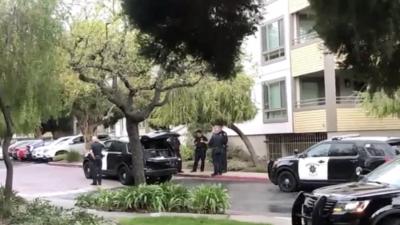 Niño en estado crítico tras caer desde el cuarto piso de un edificio en Sunnyvale