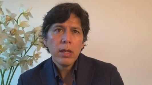 """""""Es un intento de golpe de estado"""": Kevin de León sobre iniciativa para destituir al gobernador de California"""