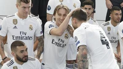¿Voto de confianza? Real Madrid se tomó foto oficial con Santiago Solari