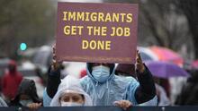 La 'Ley sueños y promesas' abriría el camino a la ciudadanía para 4.5 millones de migrantes