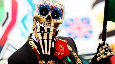 La muerte salió a bailar a las calles de México en el tradicional desfile de Día de Muertos