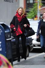 Blake presume su pancita de manera 'fashion'