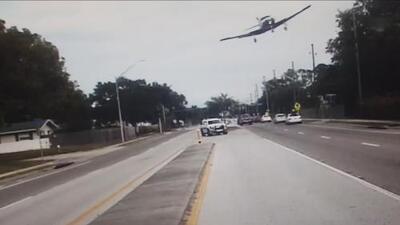 En video: Así fue el aterrizaje de emergencia de una avioneta en una carretera de Florida