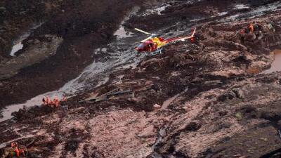 Al menos 200 desaparecidos y varios muertos por el colapso de una represa minera en Brasil