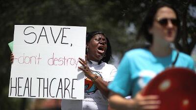 Después de odiarlo e intentar eliminarlo, muchos republicanos en campaña ahora defienden Obamacare