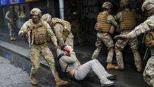 """""""Utilizar a militares para tareas de policías siempre es mala idea"""": HRW advierte sobre la situación durante protestas en Chile"""