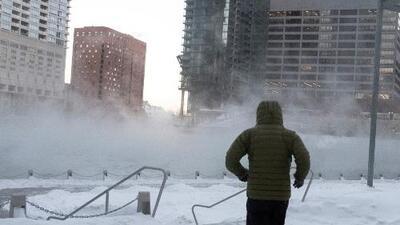 En un minuto: La ola de frío extremo deja al menos ocho muertos y sigue congelando