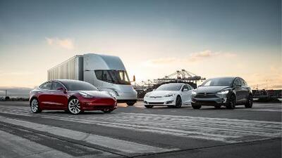 Tesla recibe 2019 con una rebaja general de precios en toda su línea