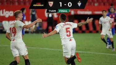 ¡Insólito! Marca gol y hace un atajadón para darle triunfo al Sevilla