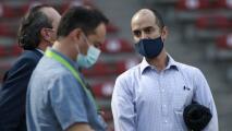 Detienen a dos fans de Bravos tras protestas a Memo Cantú