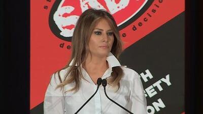 El mensaje compasivo de Melania Trump tras la polémica por su chaqueta