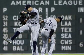 Los Yankees igualan el récord de cuadrangulares en una temporada y vencen a los Red Sox