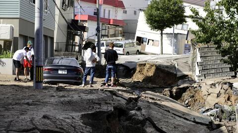 Registran terremoto de 6.7 en Japón que deja heridos, desaparecidos y deslaves