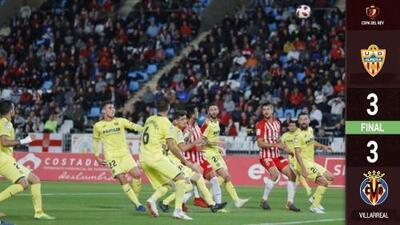 ¡Layún de contrastes! Es titular y juega los 90' en empate del Villarreal ante el Almería