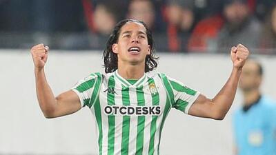 Lainez no juega ante Puebla, Guardado titular