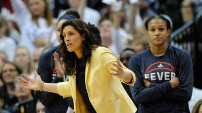 Las dificultades que enfrentan entrenadoras homosexuales en equipos universitarios