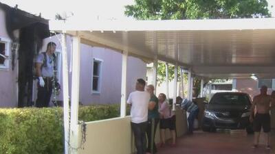 Una familia de Sweetwater se queda sin hogar luego de que su casa móvil se incendiara