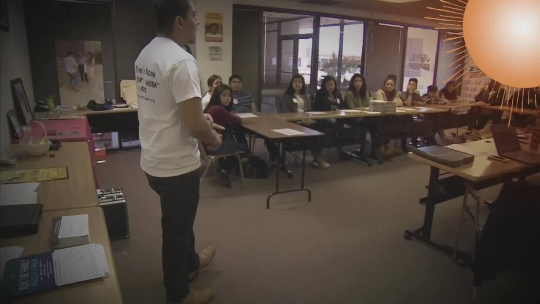 La banda Maná, junto a la Univision Foundation y la Fundación Selva Negra, lanzan una beca para jóvenes estudiantes de EEUU