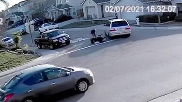 Encuentran al vehículo que atropelló una madre y su bebé en Sacramento