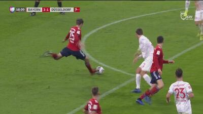 Entre 'Lewa' y Müller hacen el tercero del Bayern para mala fortuna del Fortuna