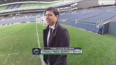 Gonzalo Pineda regresa a Seattle e hizo cantar el 'Goya' a Clint Dempsey